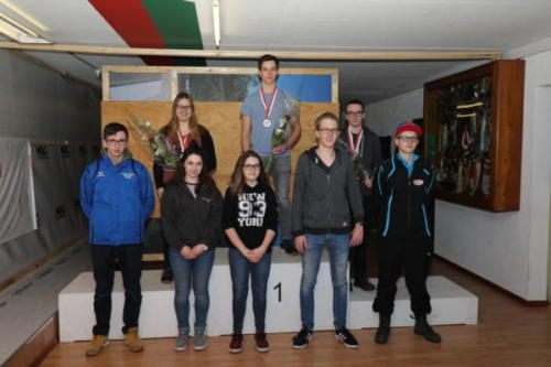 32 Finalisten Junioren Stehend