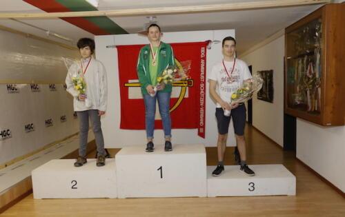 02 Sieger Junioren Kniend